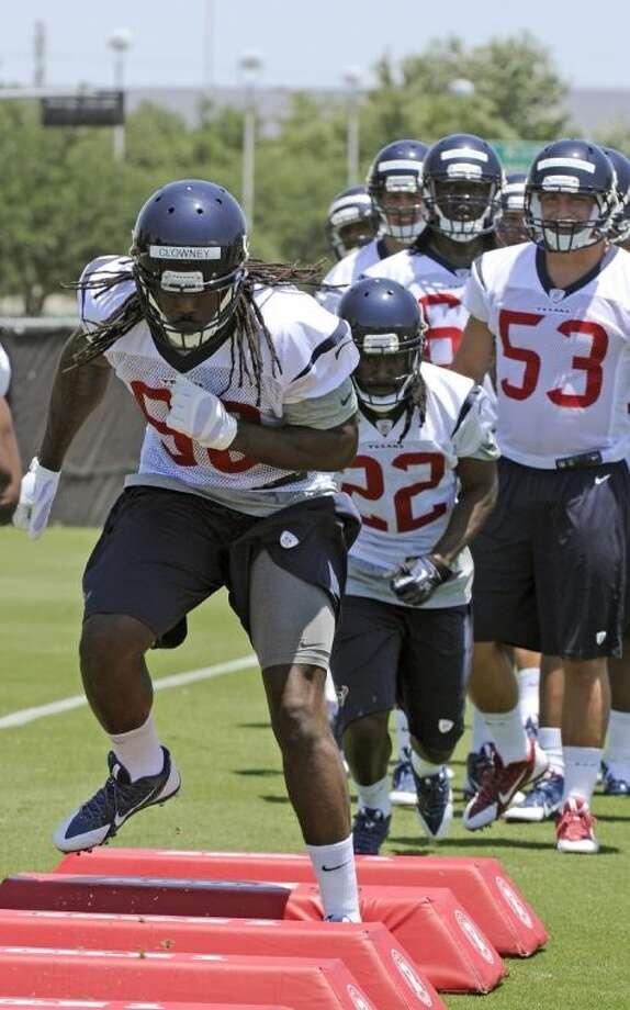 Thee Houston Texans' top draft pick, Jadeveon Clowney, runs mini-camp Friday in Houston. Photo: Pat Sullivan