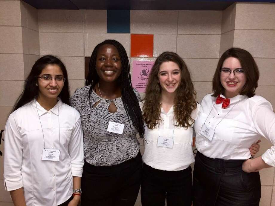 Members of the Oak Ridge High School HOSA Club competed at the area level in February and competed this week in Galveston. The HOSA Members were also accompanied by Dr. Halbert, HOSA Chapter Advisor. The HOSA Bowl team consisting of Dolapo Akintunde, Brittni Walls, Nikita Watson, and Sruthi Sirabhaskar.