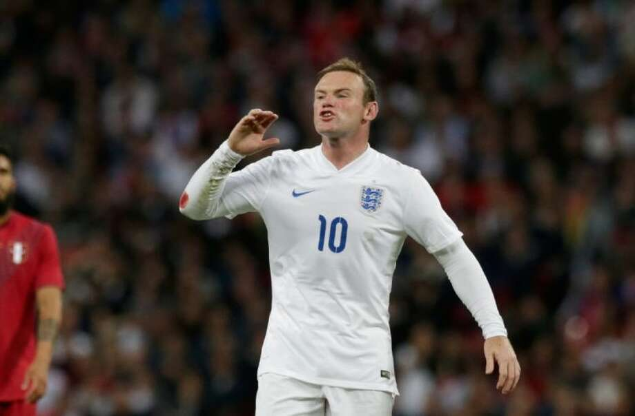 Manager Roy Hodgson and the English need Wayne Rooney to step up. Photo: Matt Dunham