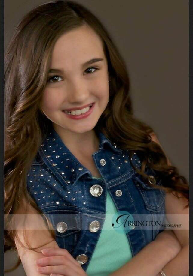 Lindsey Lewis, 10, has been chosen as a State Finalist in the National American Miss Texas Pageant to be held June 20 at the Royal Sonesta Galleria Hotel in Houston.
