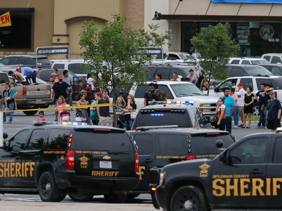 A sweeping gag order was issued Tuesday in a lawsuit arising from a May brawl at a roadside restaurant in Waco in which nine bikers were killed and 177 people arrested.