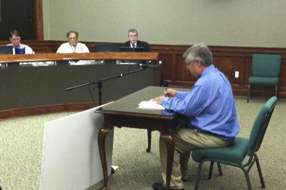 Councilman Frank Jordan presents a plan to annex land south of Liberty. Photo: CASEY STINNETT