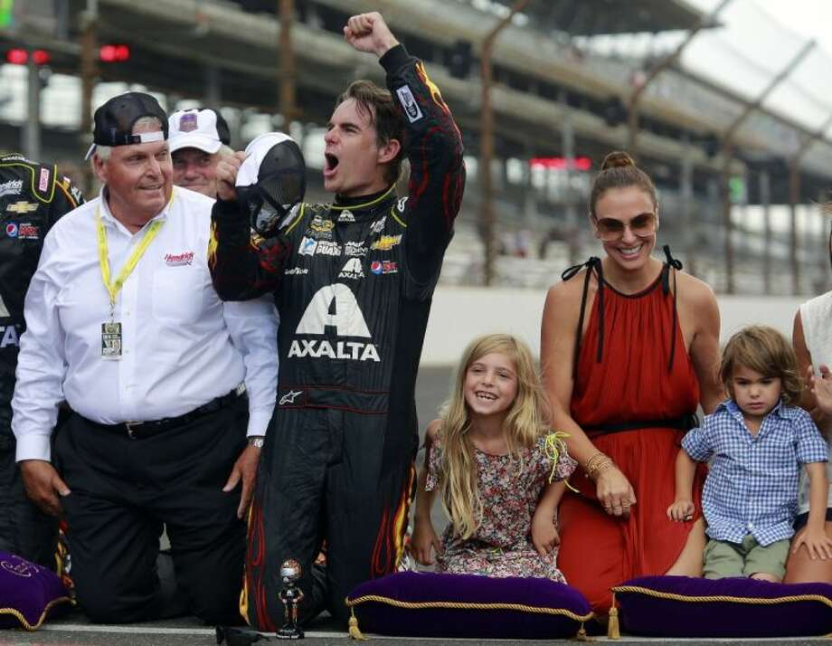 Gordon Claims Fifth Brickyard 400 Victory The Courier