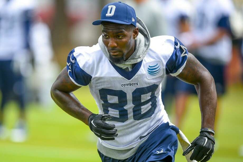 Nfl Enthusiastic Dez Bryant Back On Field With Cowboys
