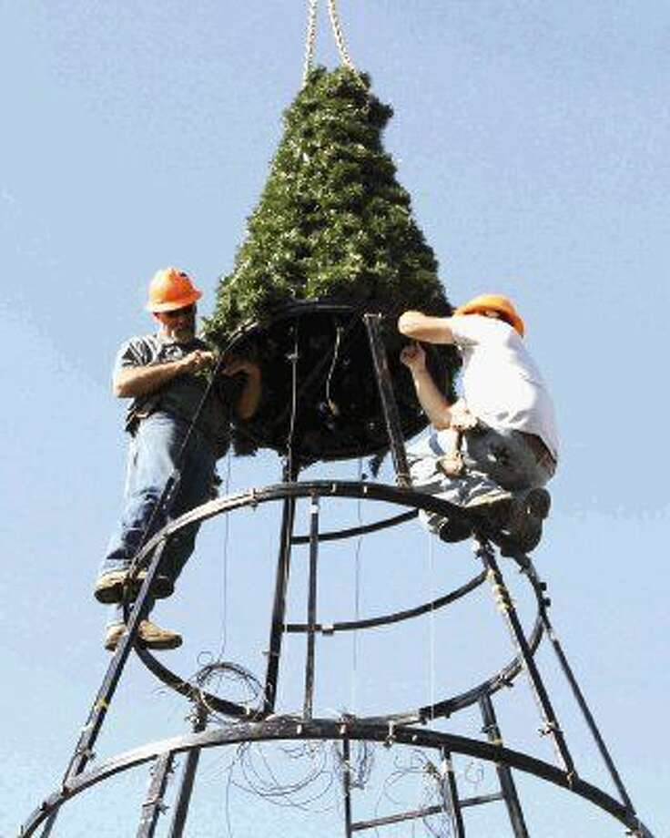 Conroe tree lighting event bigger for 2014 - The Courier