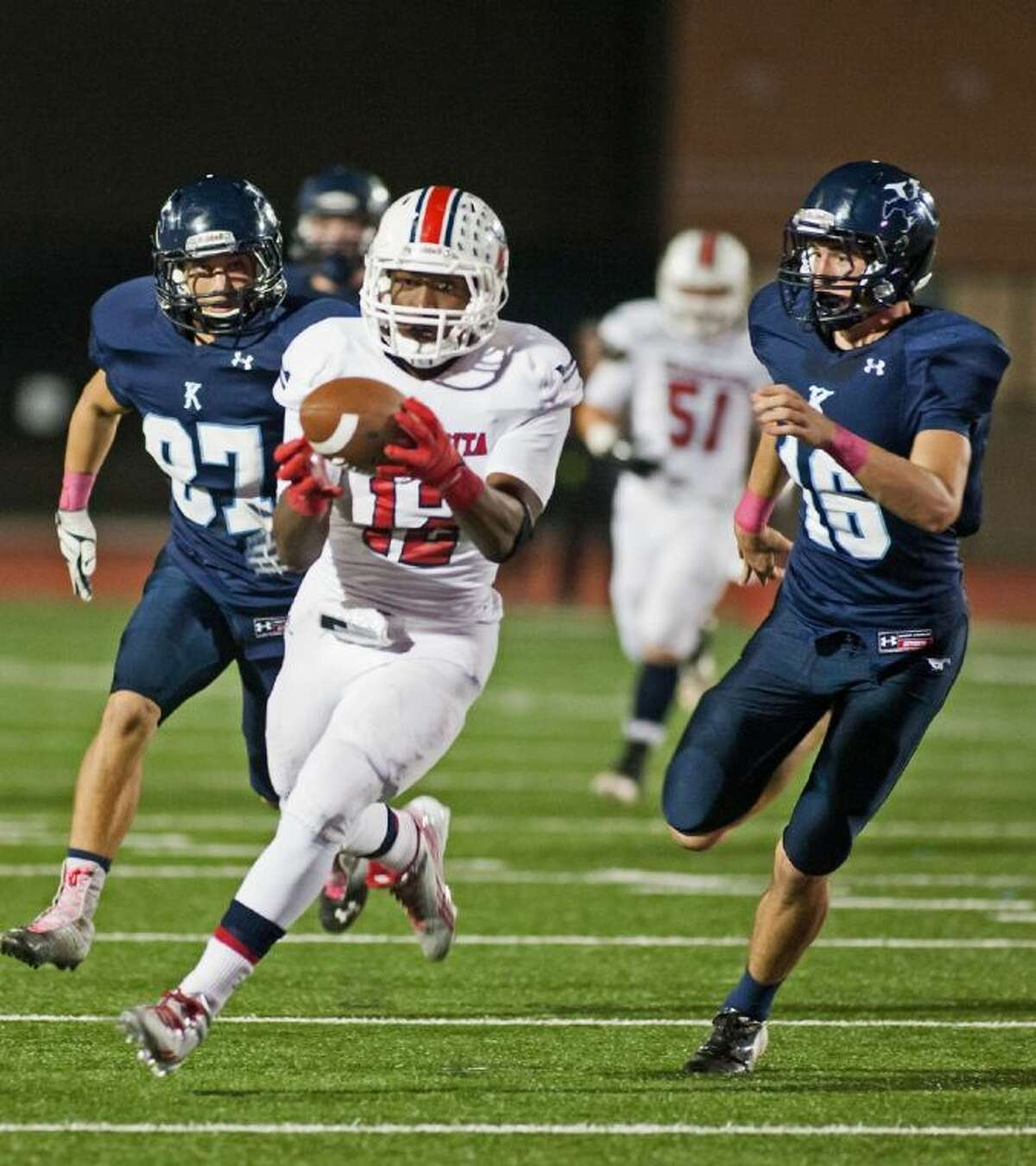 Atascocita's Jemarcus Jones rushes in for the touchdown in the first half against Kingwood.