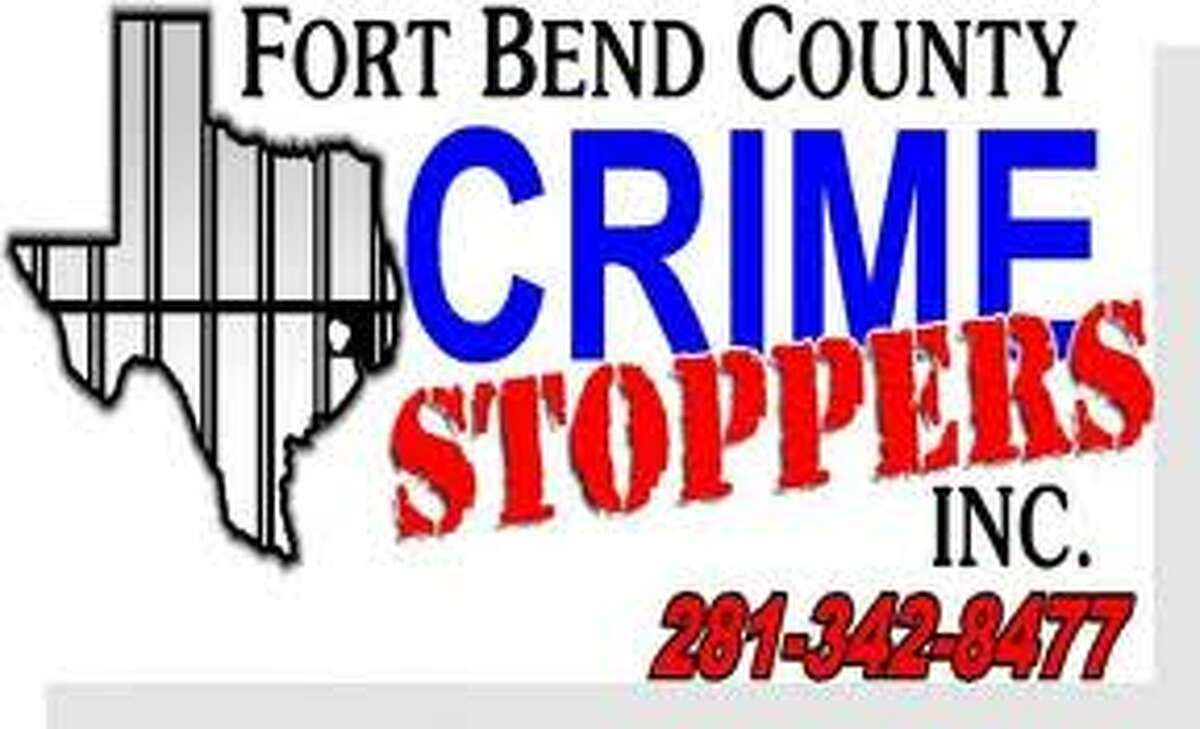 Two suspects sought in convenience store robbery