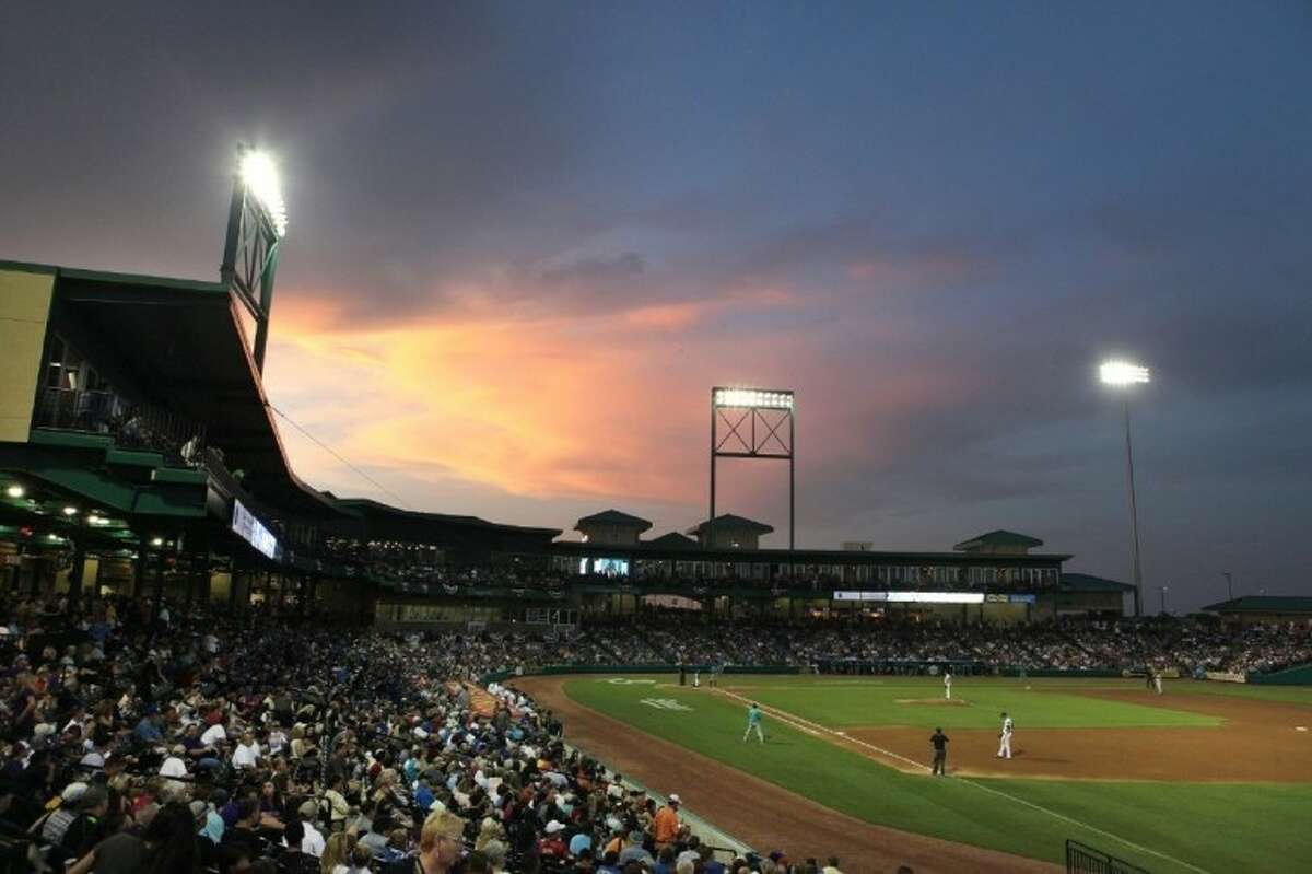 The Sugar Land Skeeters led the Atlantic League in attendence during their first season in existence, drawing more than 465,000 fans.