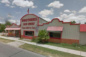 "Brothers Taco House: 375 Hawthorne St., San Antonio, Texas 78214 Date: 09/22/2016 Score: 81 Highlights: Food not protected from cross contamination (raw beef and sausage sorted in same container), food contact surfaces not clean to sight and touch, inspector observed ""evidence of insect activity,"" kitchen staff were not wearing hair restraints"