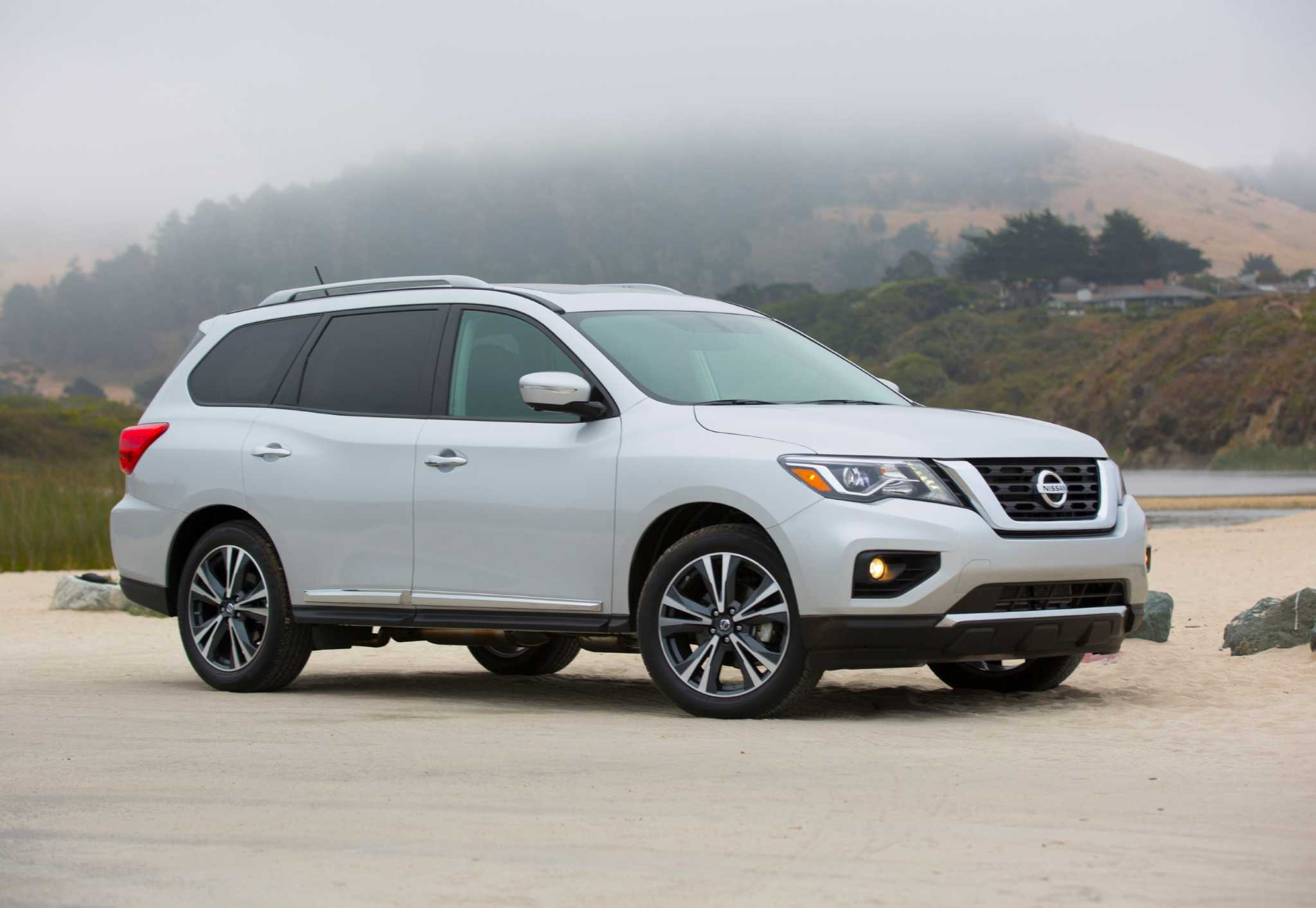 Nissan puts Pathfinder on path to more power, safety technology