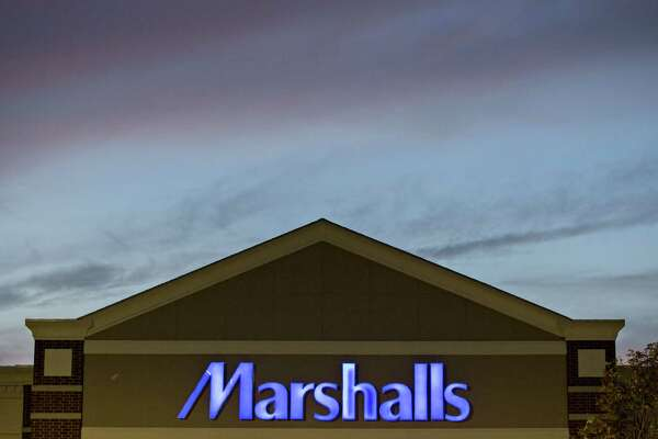 A Marshalls store stands at dusk in Peoria, Illinois, U.S., on Sunday, Aug. 14, 2016. The TJX Companies Inc., owner of brands including HomeGoods, Marshalls, and TJ Maxx, is scheduled to release earnings figures on Aug. 16. Photographer: Daniel Acker/Bloomberg
