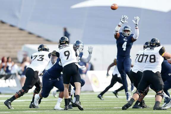 The Rice defense will attempt to do a better job against Southern Miss uarterback Nick Mullens (9) on Saturday. Mullens passed for 386 yards and five touchdowns in a 65-10 victory over the Owls last season at Rice Stadium.