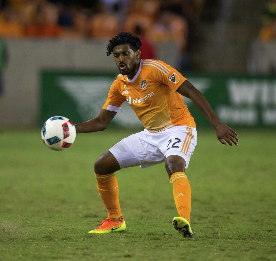 Houston Dynamo midfielder Sheanon Williams (22) unable to get to the ball during the second half of action between the Houston Dynamo and the New York City FC during an MLS soccer game at BBVA Compass, Friday, September 30, 2016, in Houston. New York City FC defeated Houston Dynamo 2-0. (Juan DeLeon/Houston Chronicle ) Photo: Juan DeLeon, For The Chronicle / Houston Chronicle