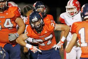 Brandeis' Sean Mellish celebrates his TD during the District 28-6A Zone A game against Taft on Sept. 30, 2016 at Farris Stadium.