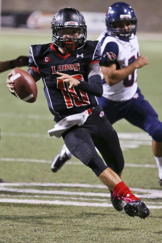 Langham Creek quarterbackKyle Cutbirth hopes to help the Lobos clinch a playoff spot this weekend.