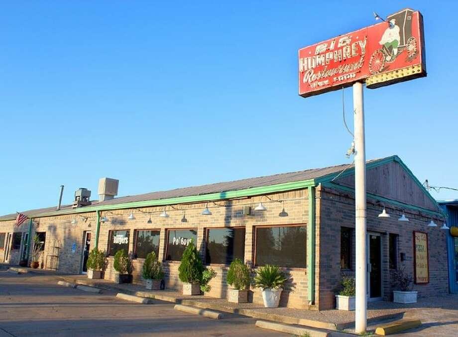 Big Humphrey's restaurant on FM 518 in Pearland.