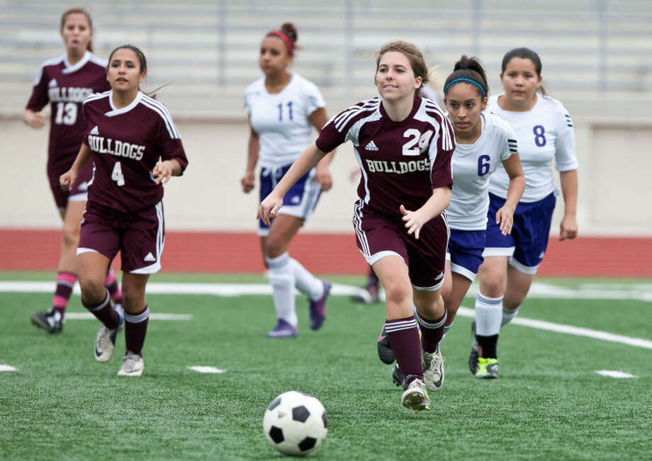 Summer Creek's Emily Freeman chases after a loose ball during the second half of a game against Humble at Turner Stadium on Feb. 22. Freeman was the lone Lady Bulldog named to the 42-4A All-District first team.