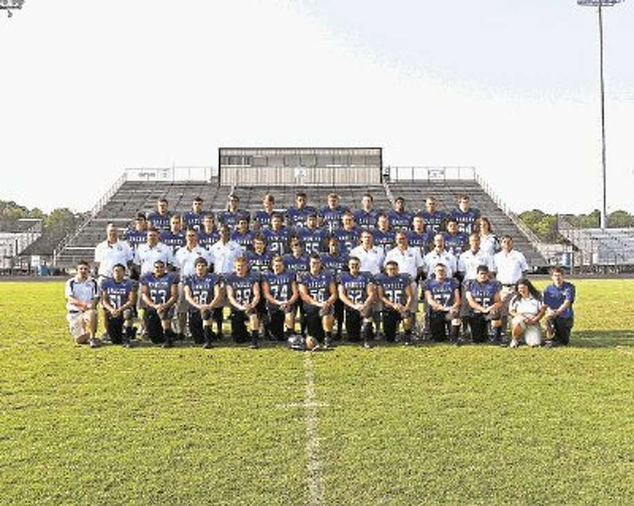 FOOTBALL: Eagles continue building for the future / Photo-Captures