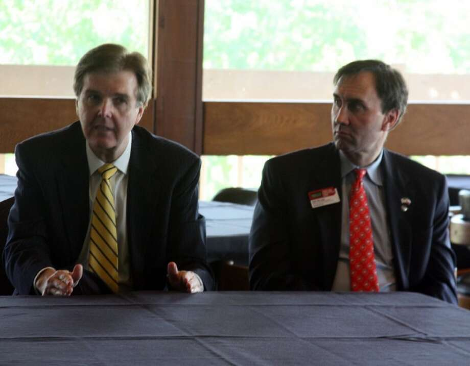 Senator Dan Patrick (left) served as guest speaker at the CEO Roundtable Luncheon hosted by the NBCEA Wednesday (Oct. 3). Senator Patrick met with a small group of education leaders and elected officials before the luncheon. Pictured on the right is Congressman Pete Olson.