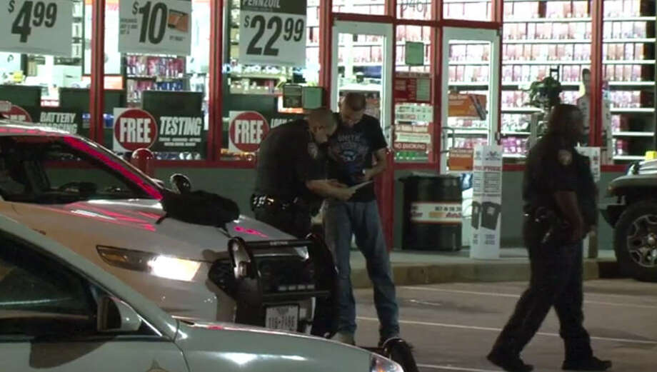 Three suspects held store employees at gunpoint at an AutoZone in Jersey Village late Friday, Sept. 30, 2016. Photo: Metro Video