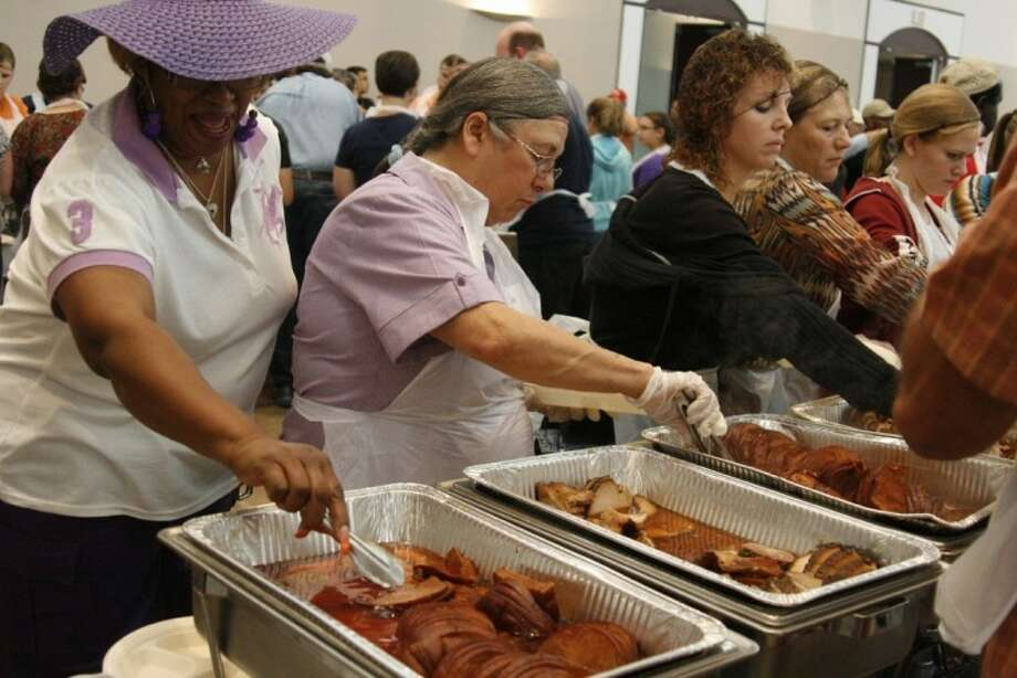 Offering everything from turkey to side dishes like peas and mashed potatoes and traditional desserts; the annual Humble Thanksgiving Feast will ensure that everyone has a happy holiday.