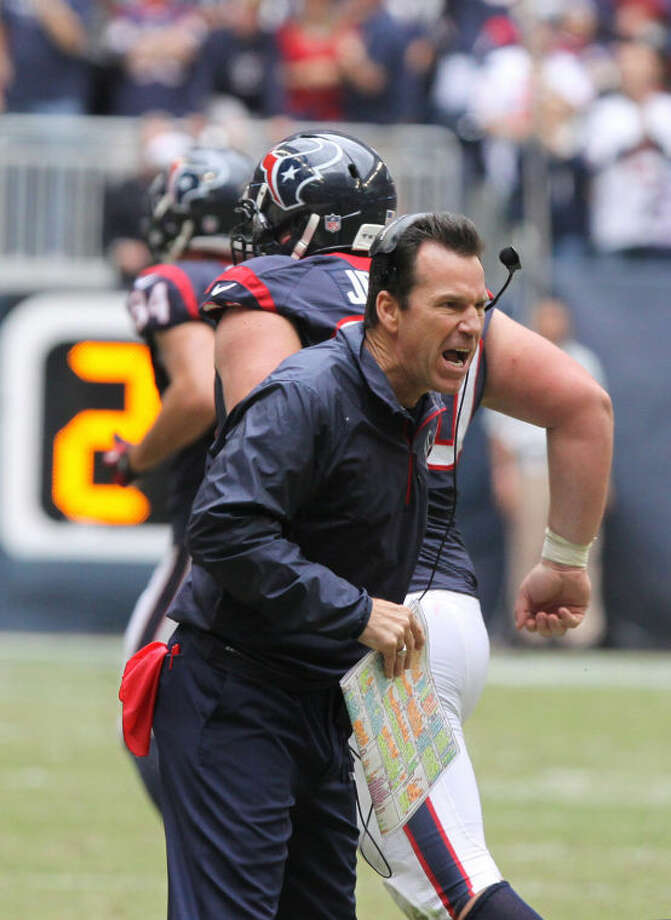 Houston's Head Coach Gary Kubiak tries to fire up his team against New England during game at Reliant Stadium in Houston on Sunday, December 1, 2013. (Photo by Alan Warren) Photo: Photo By Alan Warren