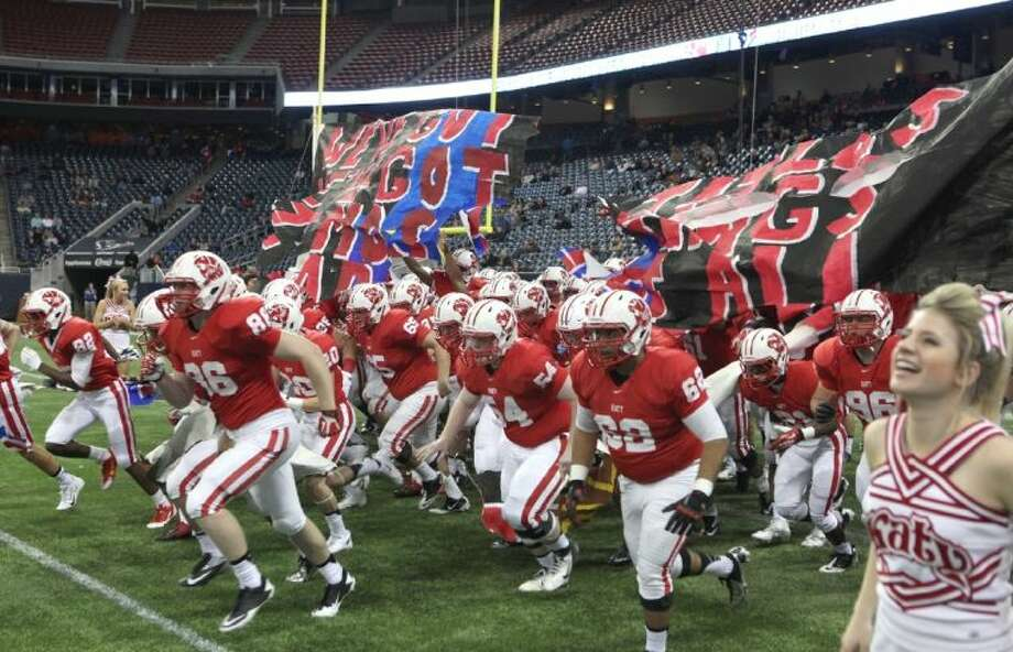 The Katy Tigers dominated San Antonio Johnson for a 52-0 state semifinal victory, pulling them within one game of a second consecutive 16-0 season. Photo: Alan Warren
