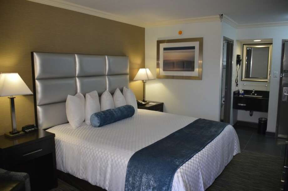 The Best Western Webster Hotel, NASA is just minutes from the NASA Space center and Ellington Air Force base.