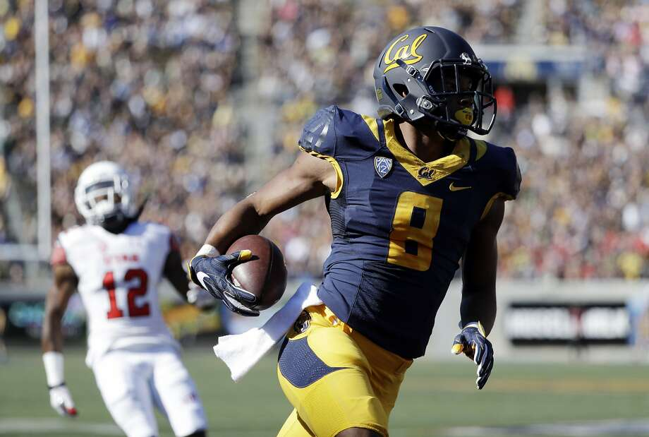 California's Demetris Robertson scores on a 39-yard reception against Utah during the first half of an NCAA college football game Saturday, Oct. 1, 2016, in Berkeley, Calif. (AP Photo/Marcio Jose Sanchez) Photo: Marcio Jose Sanchez, Associated Press