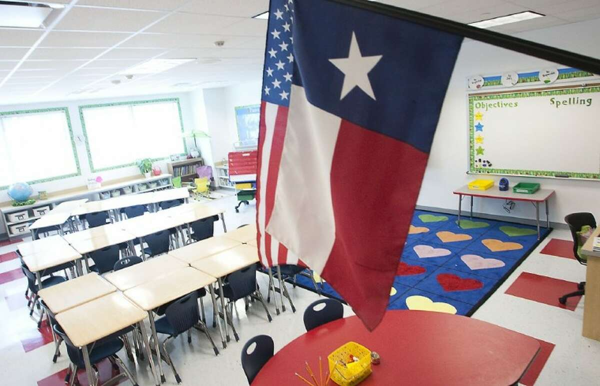 DATA: How much do the Houston area's biggest school districts pay?  State data shows a range of average teacher salaries for the 2015-16 school year among the top 25 biggest Houston-area independent school districts based on enrollment.  Keep going to see how much the biggest districts in the region pay on average, and how much experience their teachers have.