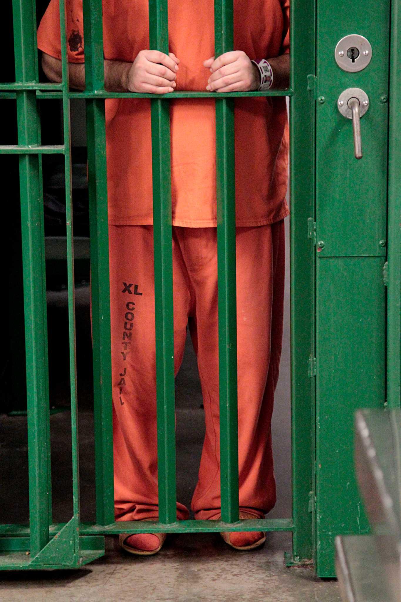 Lawsuit Blames Jail Death On City Jail Employees Houston Chronicle
