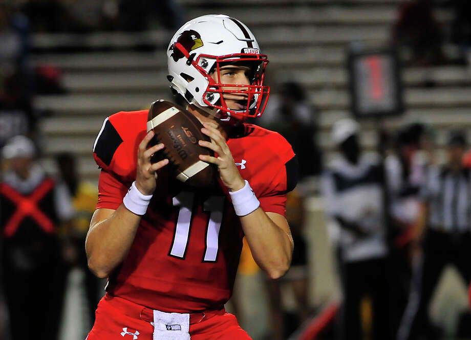 Lamar's Carson Earp is predicted to be out for the rest of the season after sustaining a shoulder injury during the Cardinals' game against Central Arkansas on Saturday.  Photo: Kim Brent / Beaumont Enterprise
