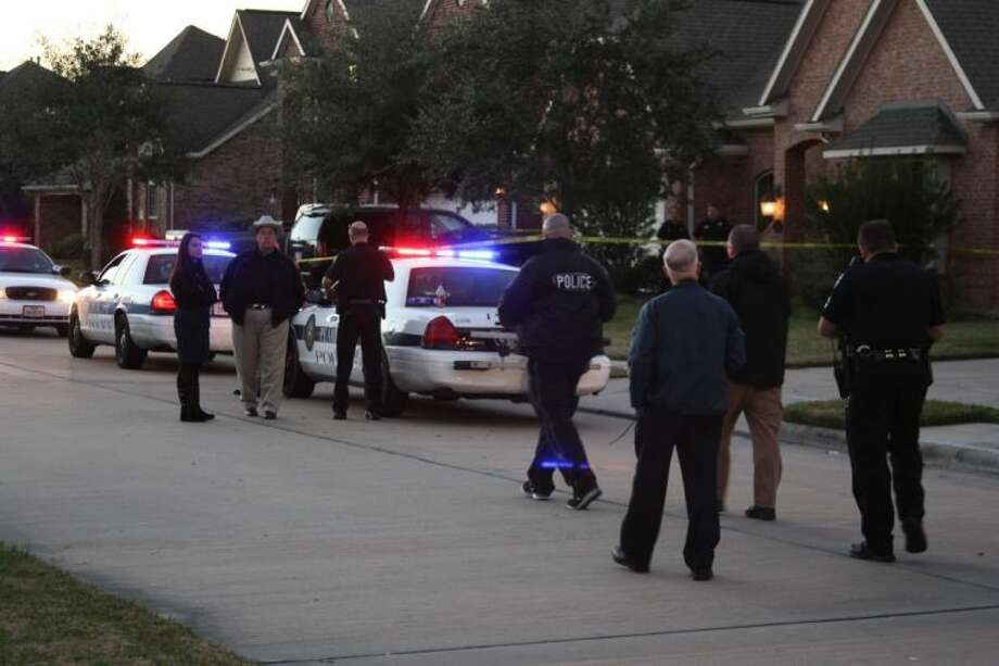 Pearland Police were investigating a deadly shooting at a quiet residential neighborhood Thursday (Jan. 17). Photo: KRISTI NIX