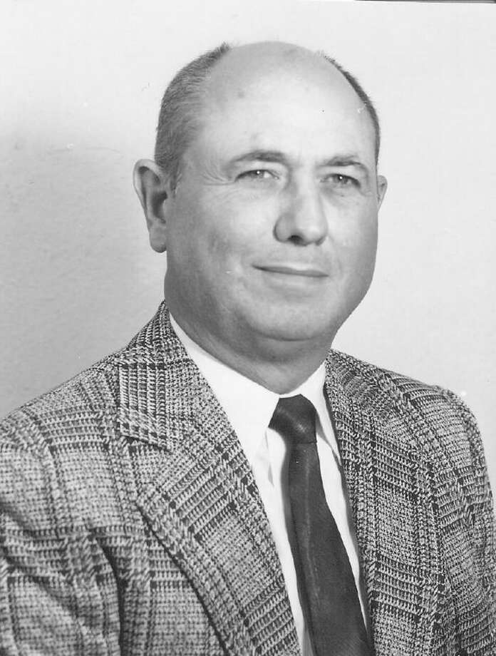 John Robert Massey, a globally-respected expert in the petrochemical industry who was a member of one of the founding families of Pearland and earliest Texas settlers known as the Old 300, the original group of Americans who settled Texas with Stephen F. Austin, died Tuesday, September 3, 2013. He was 85.