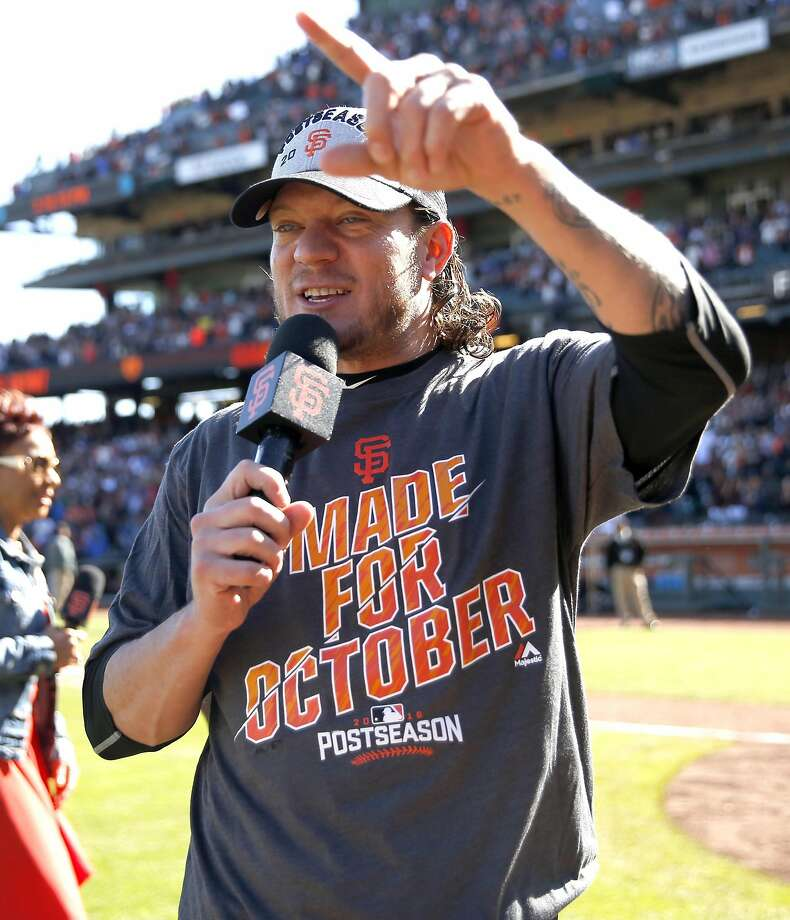 Jake Peavy thanks the fans after the Giants clinched a wild-card berth Sunday. Photo: Scott Strazzante, The Chronicle