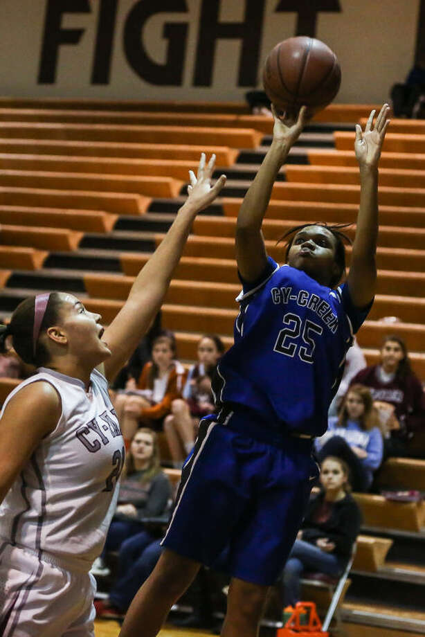 Cy Creek's Darianne Williams helped the Cougars to a win over Cy Ridge on Tuesday. (Michael Minasi / HCN)