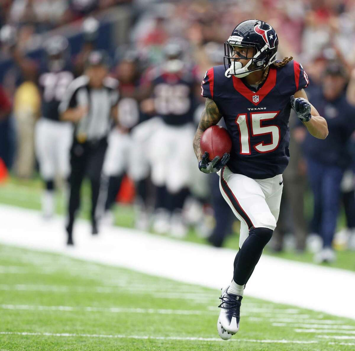 FIVE UP 1. Texans wide receiver Will Fuller The dynamic rookie first-round draft pick caught seven passes for 81 yards and a touchdown on nine targets. He also had the game-winning punt return for a touchdown, a 67-yard effort. Fuller has emerged as one of the more dangerous young deep threats in the league. He leads the Texans with 19 catches for 323 yards and two touchdowns.