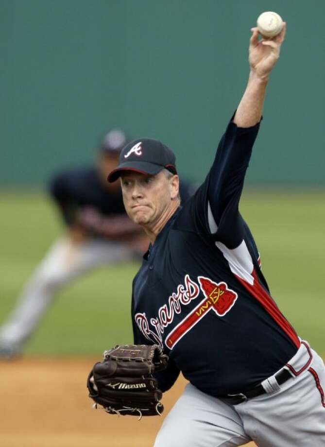 Atlanta Braves starting pitcher Tom Glavine delivers against the Houston Astros during the second inning of a Grapefruit League spring training game on March 1, 2008, in Kissimmee, Fla.