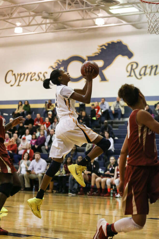 Cy Ranch's DiDi Richards helped the Mustangs to a huge win over Cy Falls on Friday. (Michael Minasi / HCN)