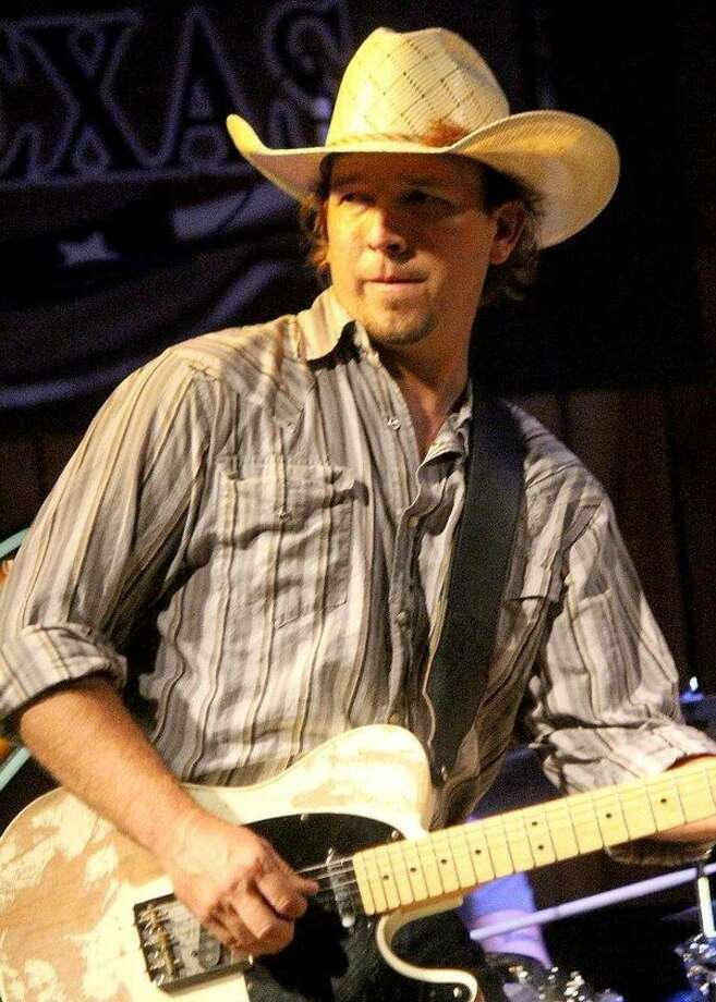 Country music newcomer set to perform at Rowdy Bucks in