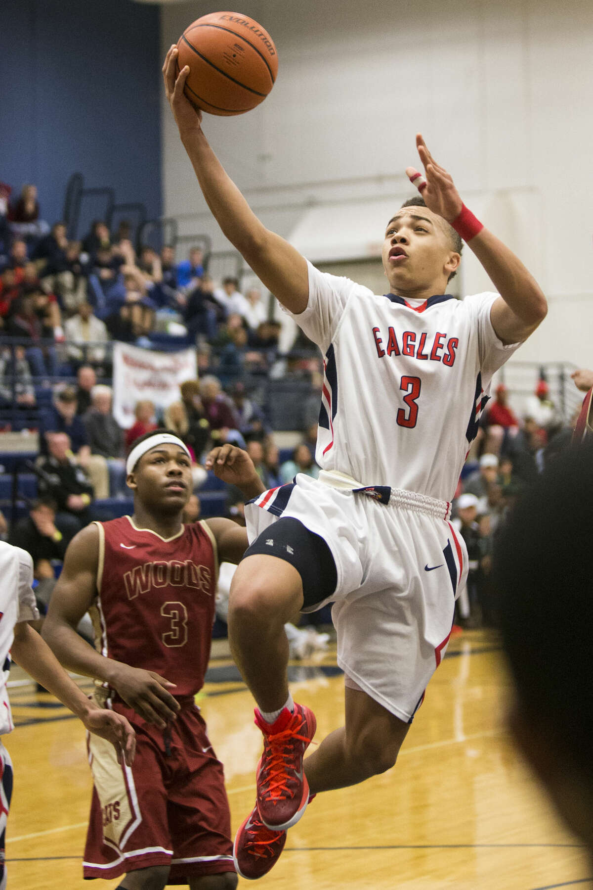 Atascocita's Carsen Edwards (3) leaps for a layup during Cy-Woods' 75-71 championship victory over Atascocita in The Insperity Holiday Classic on Dec. 30, 2014, at Kingwood High School.