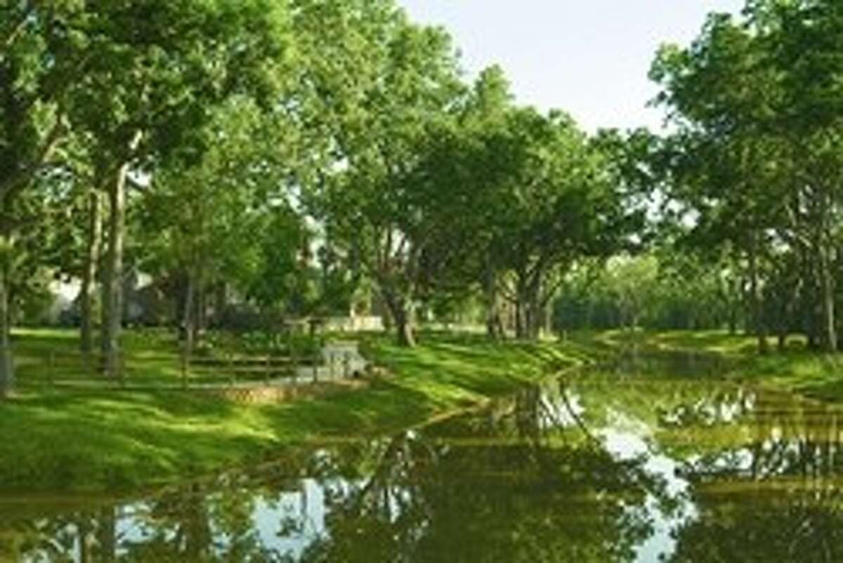 With the lush, dense forest setting the stage just north of the Brazos River, Sienna Plantation offers a suburban escape that is removed from the hectic demands of everyday life.