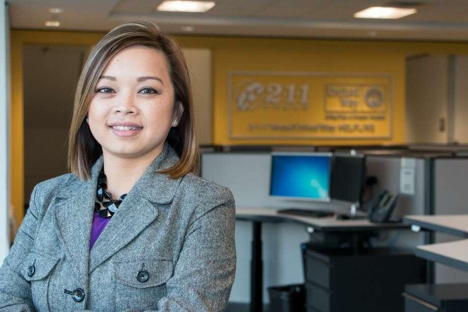 Thanh Nguyen at the 211 Texas/United Way Helpline in Houston. Photo: Ericka Hernandez