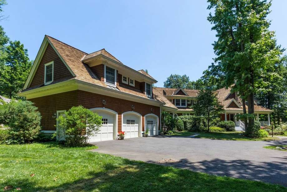 36 Swifts Ln, Darien, CT 06820  6 beds 7 baths 6,794 sqft  Open House: 10/9 1pm-3pm Features:  Wraparound porch with Pond views, master bedroom with fireplace, dressing  room and private porch, slate patio View full listing on Zillow Photo: Zillow