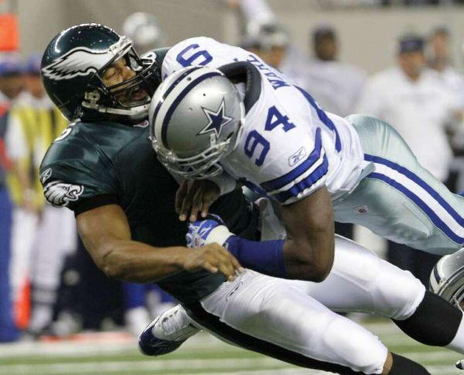 Former Dallas Cowboys linebacker DeMarcus Ware (94) is headed to Denver. / AP2010