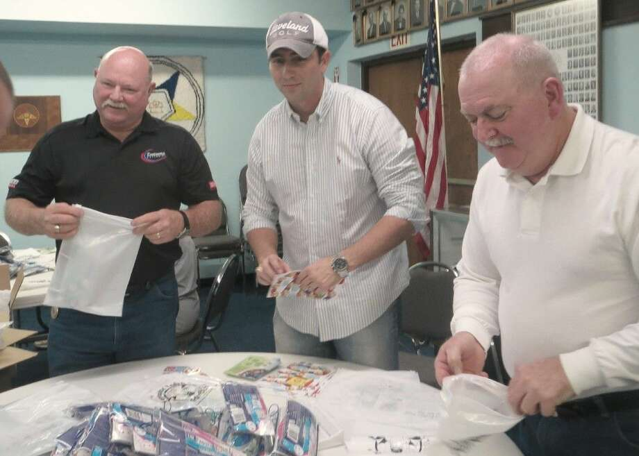Masons from six Lodges in Pasadena and the surrounding area gathered recently to assemble dental kits for more than 1,700 first graders at fifteen local elementary schools.