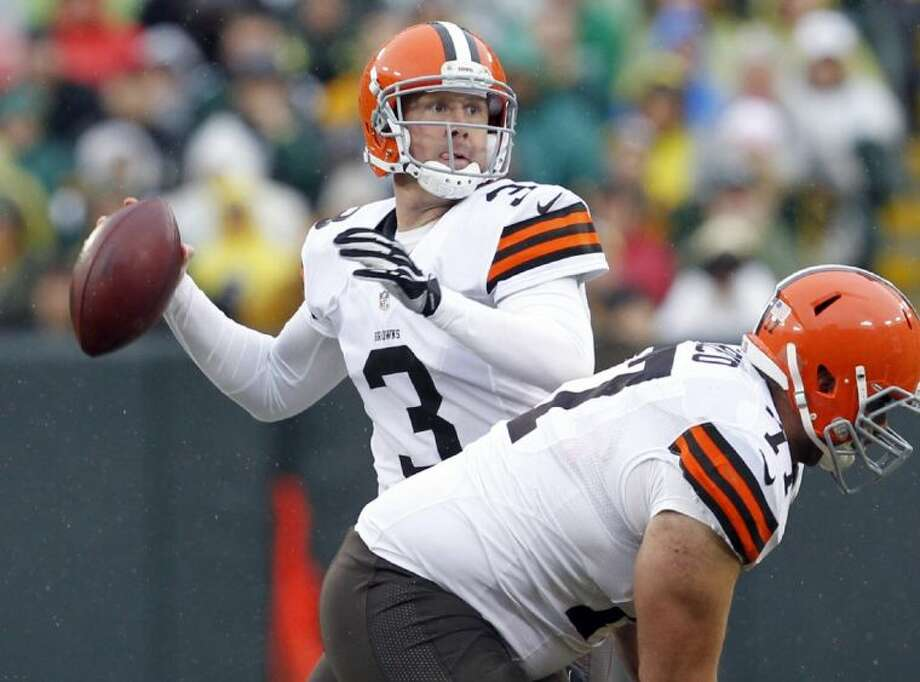 Former Browns quarterback Brandon Weeden has signed with the Cowboys.