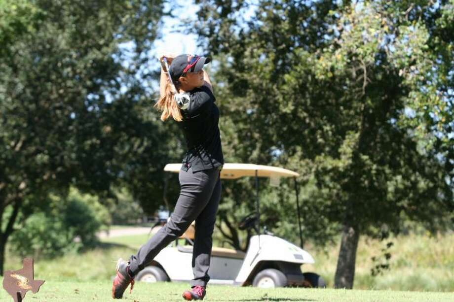 Heather Shake, a freshman from Dawson who attends the University of Houston-Victoria, won the AIIC golf title. Photo: SUBMITTED PHOTO