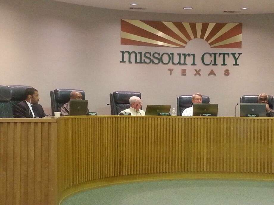 Missouri City Council discusses Houston Community College's proposed plan to reloate its campus in Sienna Plantation to Texas Parkway, next to City Hall, on Monday, Feb. 16.