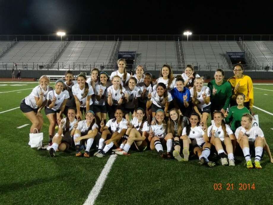 The Pearland Lady Oiler soccer team begins what it hopes is an extended playoff run this Friday with a bi-district game at La Porte. Photo: SUBMITTED PHOTO